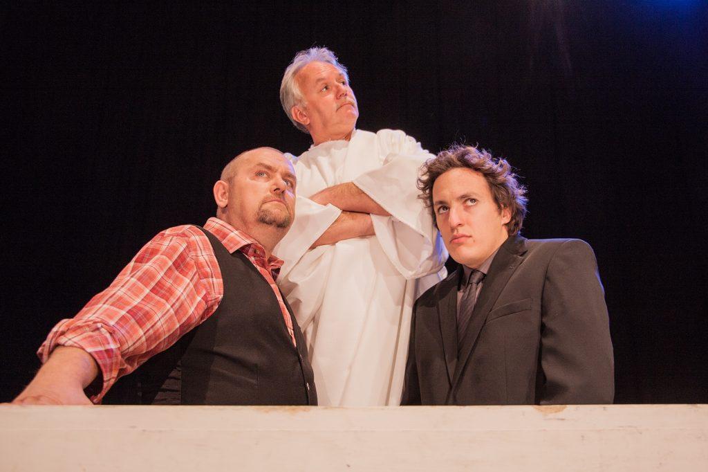 Gledališka predstava BUH POMAGEJ 001