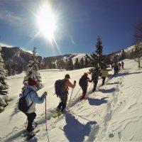 SNOWSHOEING - 1610934255