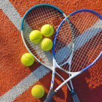 Napenjanje loparjev Ljubljana, teniški tečaj Ljubljana, učenje tenisa, Ljubljanatennisparlays-4BxlZmS9
