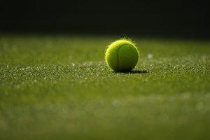 Napenjanje loparjev, teniški tečaj, učenje tenisa Ljubljana, šola tenisa Ljubljana - Dejan Pavlič s.p. 02