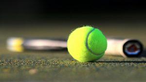 Napenjanje loparjev, teniški tečaj, učenje tenisa Ljubljana, šola tenisa Ljubljana - Dejan Pavlič s.p. 03