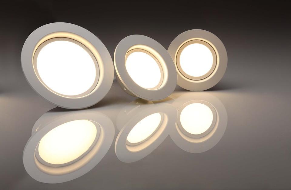 Prodaja led svetil, prodaja kopalniških, vgradnih svetilk, meritve elektroinštalacij, strelovodnih inštalacij 100