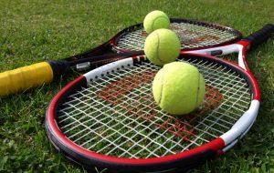 Napenjanje loparjev Ljubljana, teniški tečaj Ljubljana, učenje tenisa, Ljubljana tennis