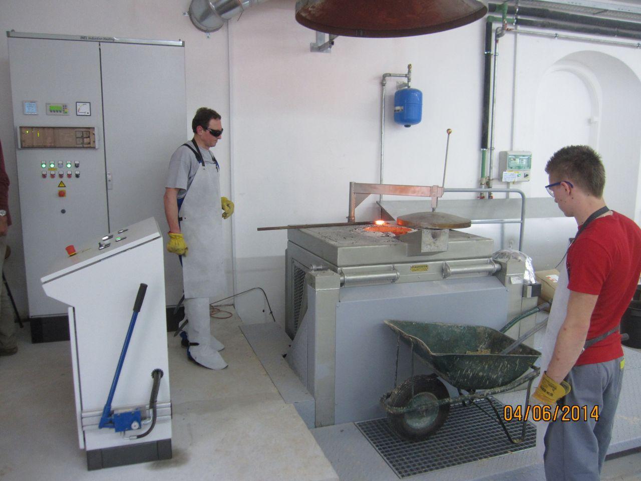 Indukcijsko taljenje kovin, induktivno površinsko kaljenje kovin inel 006