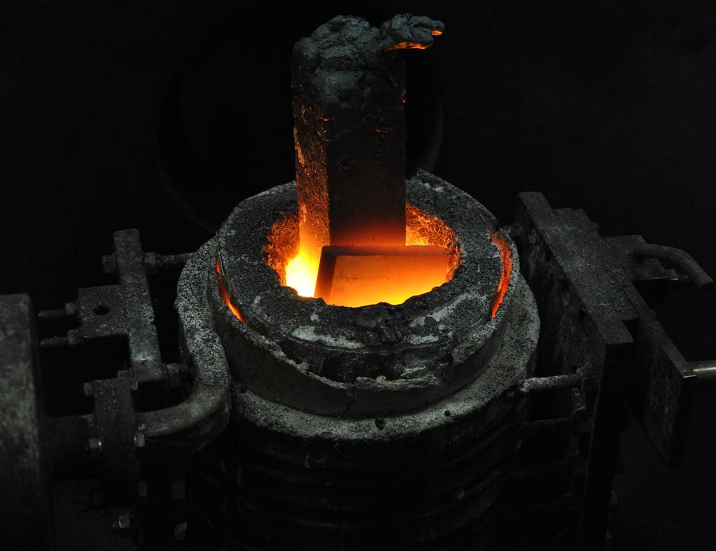 Indukcijsko taljenje kovin, induktivno površinsko kaljenje kovin inel 012