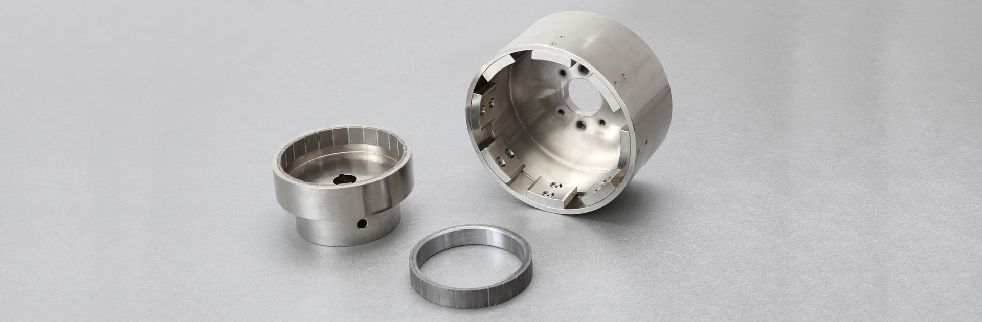 Magneti,-Elektro-magneti,-Magnetne-mize,-Robotska-prijemala-DSC00844a