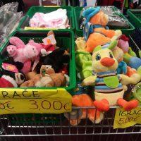 Razprodaja izdelkov iz stečajnih mas 005