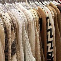 Trgovina z žensko konfekcijo, oblačila za starejše, trgovina z ženskimi oblačili 011
