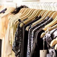Trgovina z žensko konfekcijo, oblačila za starejše, trgovina z ženskimi oblačili 001