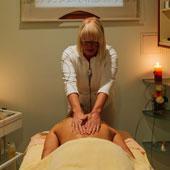 Lasersko odstranjevanje dlačic in fotopomlajevanje Celje, nega obraza z dimantnim pilingom Celje, masaže Celje, odprava stresa Celje, Salon Biona Klasicna_masaza