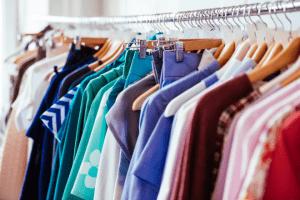 Trgovina z žensko konfekcijo, oblačila za starejše, trgovina z ženskimi oblačili 002