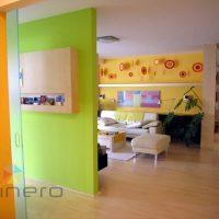 Pleskanje in barvanje sten stanovanja z živimi barvami - 1556269093