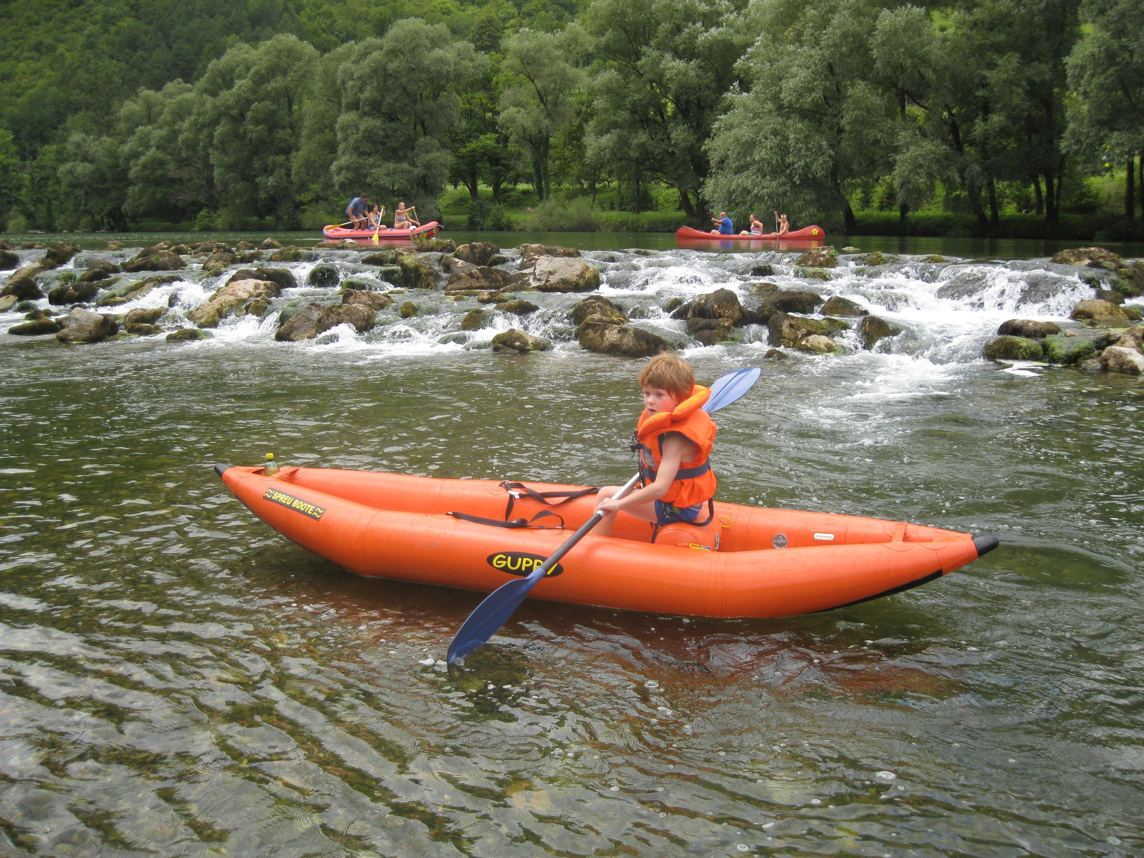 Kolpa H2O izziv, čolnarjenje po kolpi, mini raft, večdenvno čolnarjenje, robinzonsko čolnarjenje, ekspedicijsko čolnarjenje, Kostel, Kolpa Kolpa H2O izziv 100