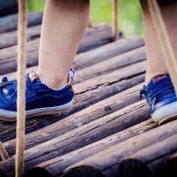 Ženska obutev, ženski čevlji, ženski gležnarji, visoki škornji, škornji s peto, gležnarji s platformo, gležnarji piščančki, ženske superge, ženski zimski škornji - GloriaLook 010