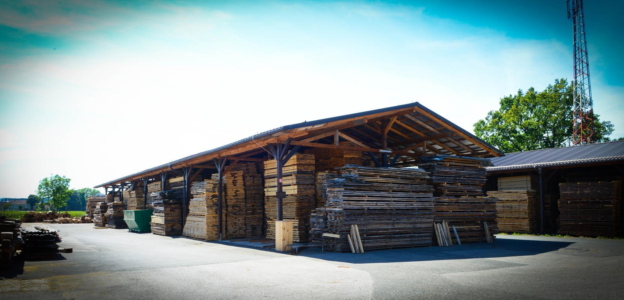 LGZ, lesno gozdarska zadruga, prodaja rezanega lesa, odkup in prodaja hlodovine, izdelovanje lesnih izdelkov, razrez, sušenje, odvoz lesa, Strah, Apače 9009
