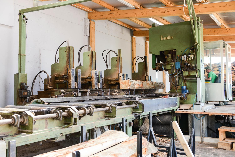 LGZ, lesno gozdarska zadruga, prodaja rezanega lesa, odkup in prodaja hlodovine, izdelovanje lesnih izdelkov, razrez, sušenje, odvoz lesa, Strah, Apače DSC_9036