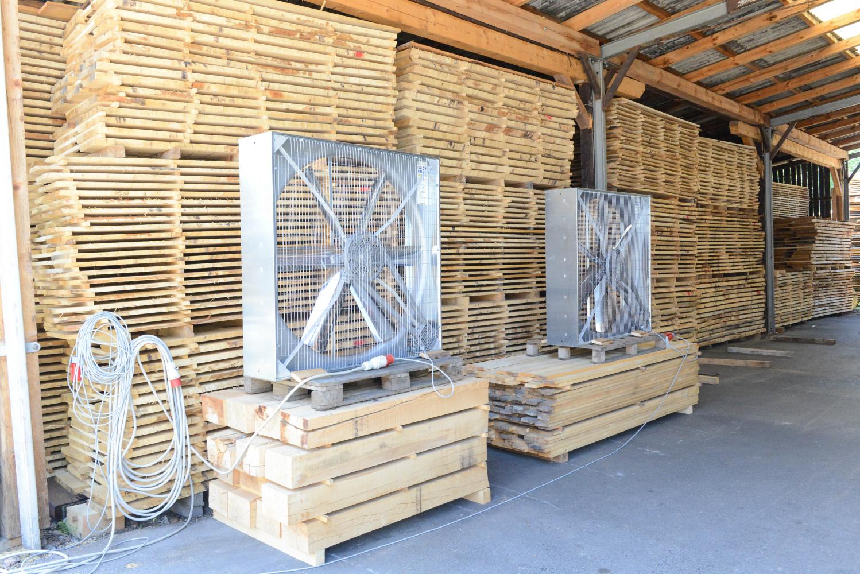 LGZ, lesno gozdarska zadruga, prodaja rezanega lesa, odkup in prodaja hlodovine, izdelovanje lesnih izdelkov, razrez, sušenje, odvoz lesa, Strah, Apače DSC_9115