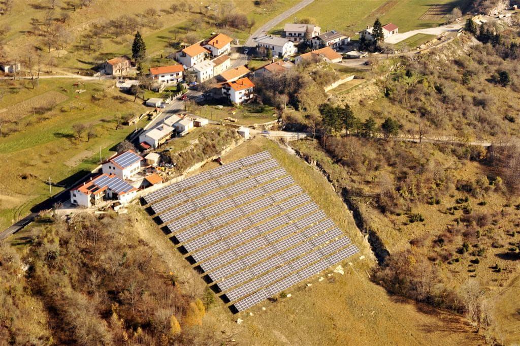Izdelava, postavitev sončne elektrarne na ključ, sončna elektrarna, samooskrba, netmetering, sončna elektrarna za lastno uporabo, fotovoltaika - sonce.com 101
