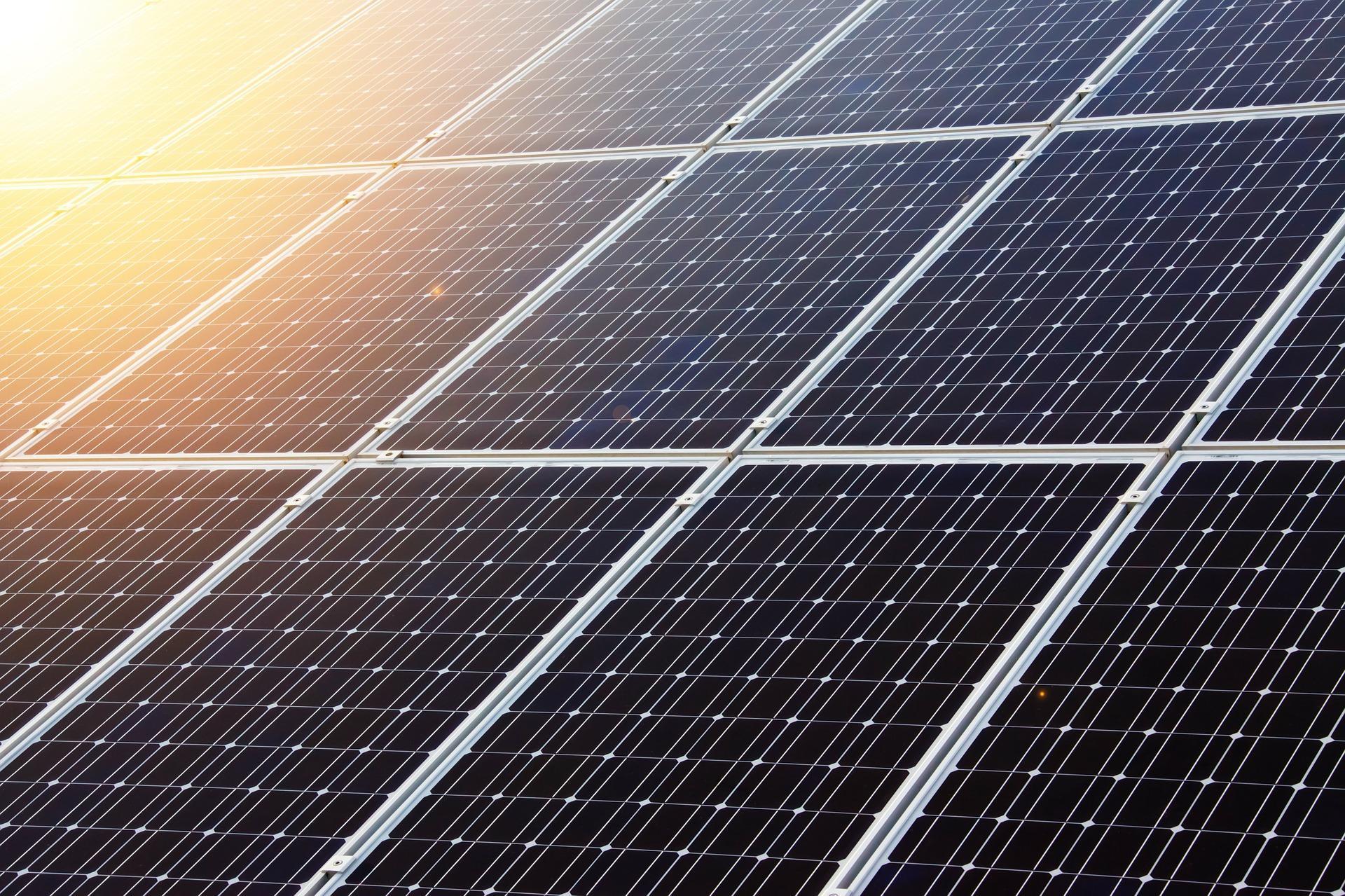 Izdelava, postavitev sončne elektrarne na ključ, sončna elektrarna, samooskrba, netmetering, sončna elektrarna za lastno uporabo, fotovoltaika - sonce.com 100