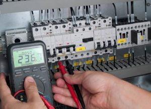 Elektroinstalacije za stroje, programiranje krmilnikov za stroje, selitve elektro strojev, pomoč pri selitvah strojev 005