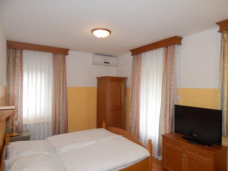 Rooms, camere, overnights, restaurant, Podčetrtek, Domačija Haler Olimje 1213