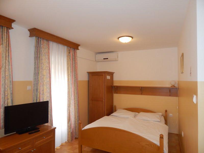 Rooms, camere, overnights, restaurant, Podčetrtek, Domačija Haler Olimje 1218