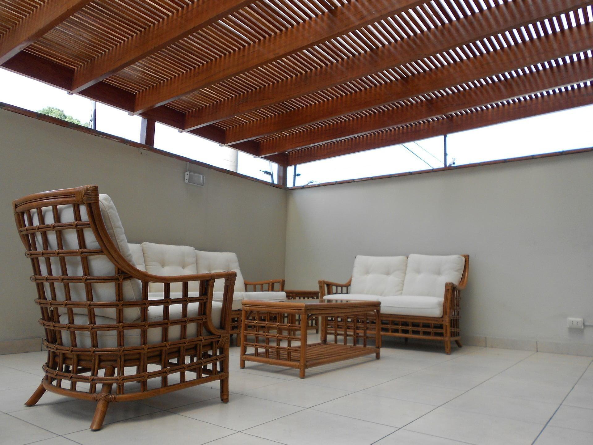 MLINAR d.o.o., balkonske ograje, vrtne ute, pergole in brunarice, nadstreški za avte iz lesa, sedežne garniture in klopi, predelava lesa, lesene ograje 283