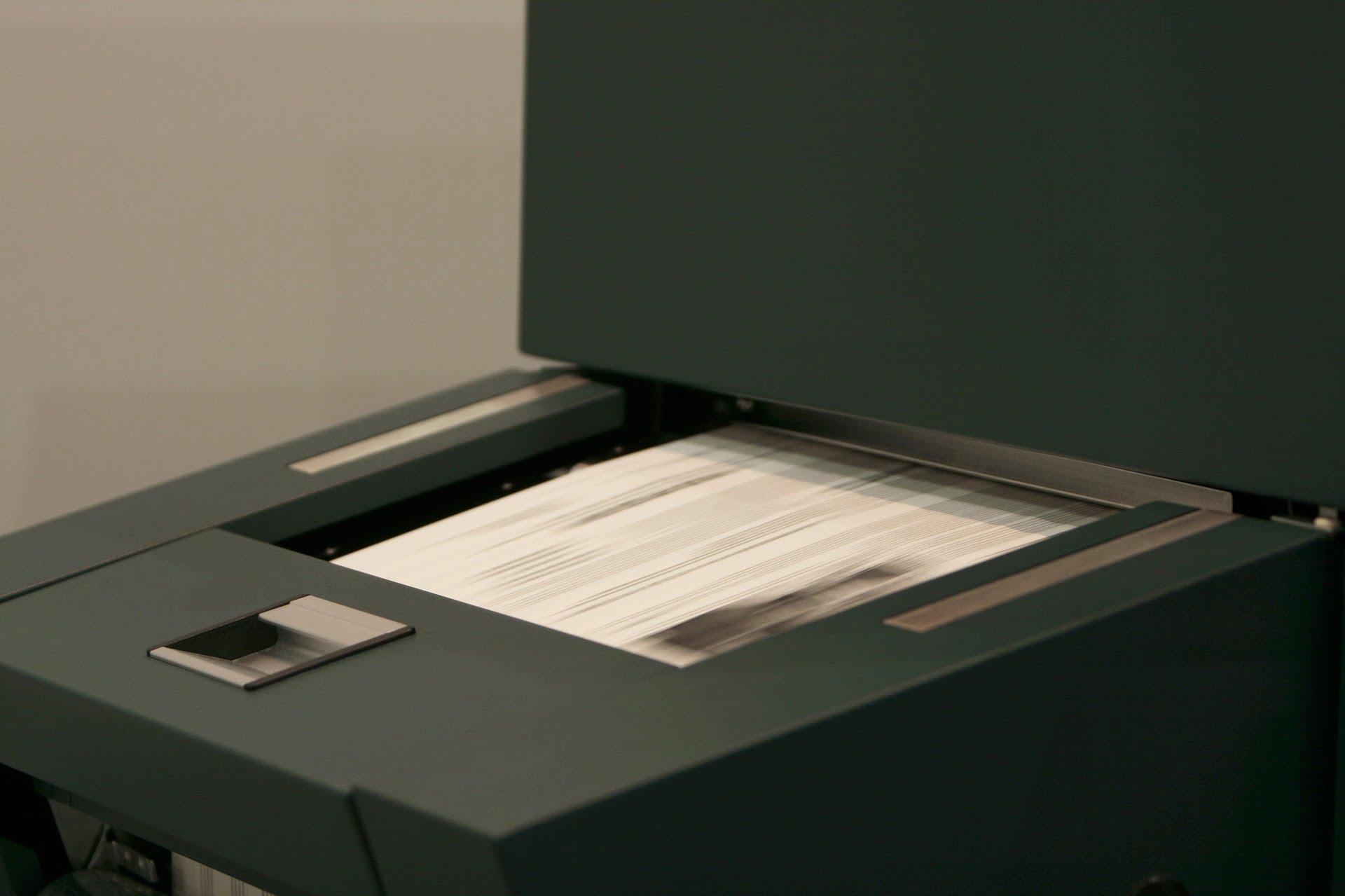Spiraljenje koledarjev, tisk majic, novoletni program, koledarji, tisk na majice, tampotisk, sitotisk, potisk poslovnih daril, poslovna darila, D-design 106
