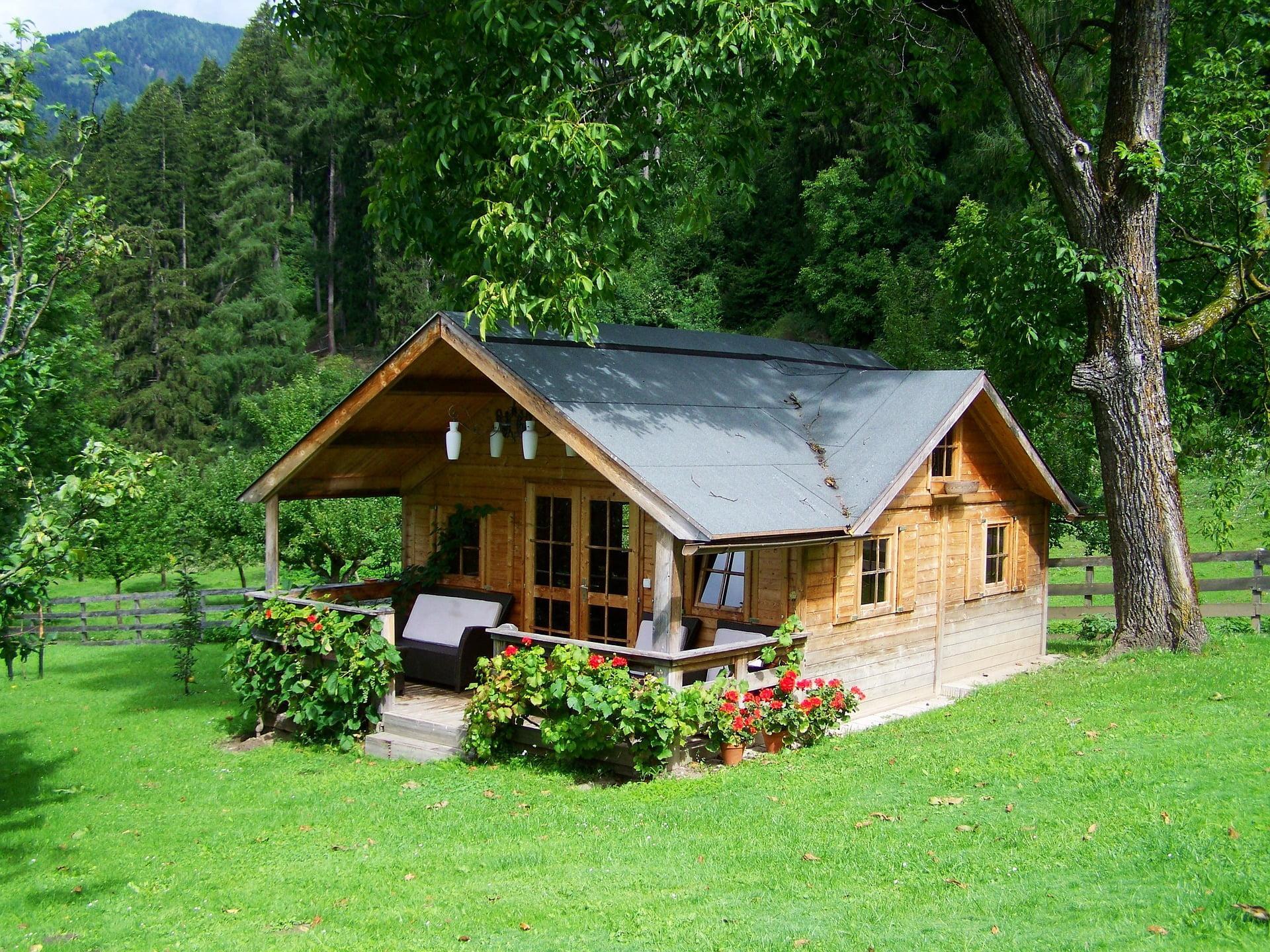 MLINAR d.o.o., balkonske ograje, vrtne ute, pergole in brunarice, nadstreški za avte iz lesa, sedežne garniture in klopi, predelava lesa, lesene ograje106