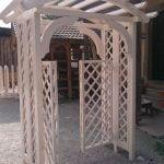 MLINAR d.o.o., balkonske ograje, vrtne ute, pergole in brunarice, nadstreški za avte iz lesa, sedežne garniture in klopi, predelava lesa, lesene ograje98