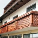 MLINAR d.o.o., balkonske ograje, vrtne ute, pergole in brunarice, nadstreški za avte iz lesa, sedežne garniture in klopi, predelava lesa, lesene ograje37
