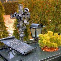 Nagrobni križi in spomeniki - 1571218371